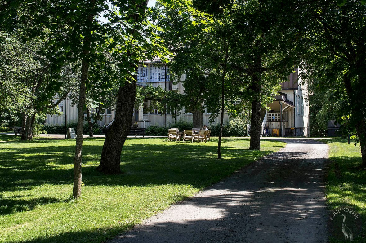 Voipaala manor, the main building and park.